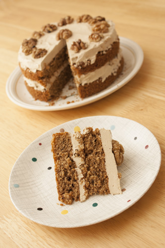coffee and walnut sponge cake with a delicious coffee mousseline ...